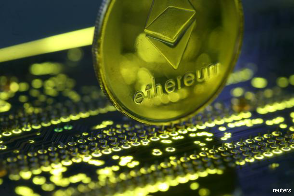 Overall, those who played risk assets were rewarded. The year's best fund, Grayscale Ethereum Trust, which holds ethereum, the world's second-largest cryptocurrency after bitcoin, soared 333.7% for the year through Dec. 9, according to Morningstar. (Photo by Reuters)