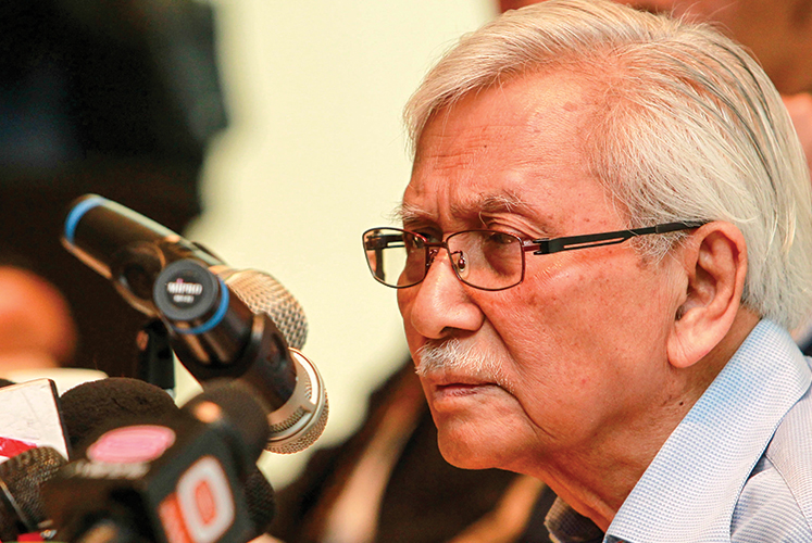 Daim wonders if Najib's Cabinet had made collective decision on ECRL project