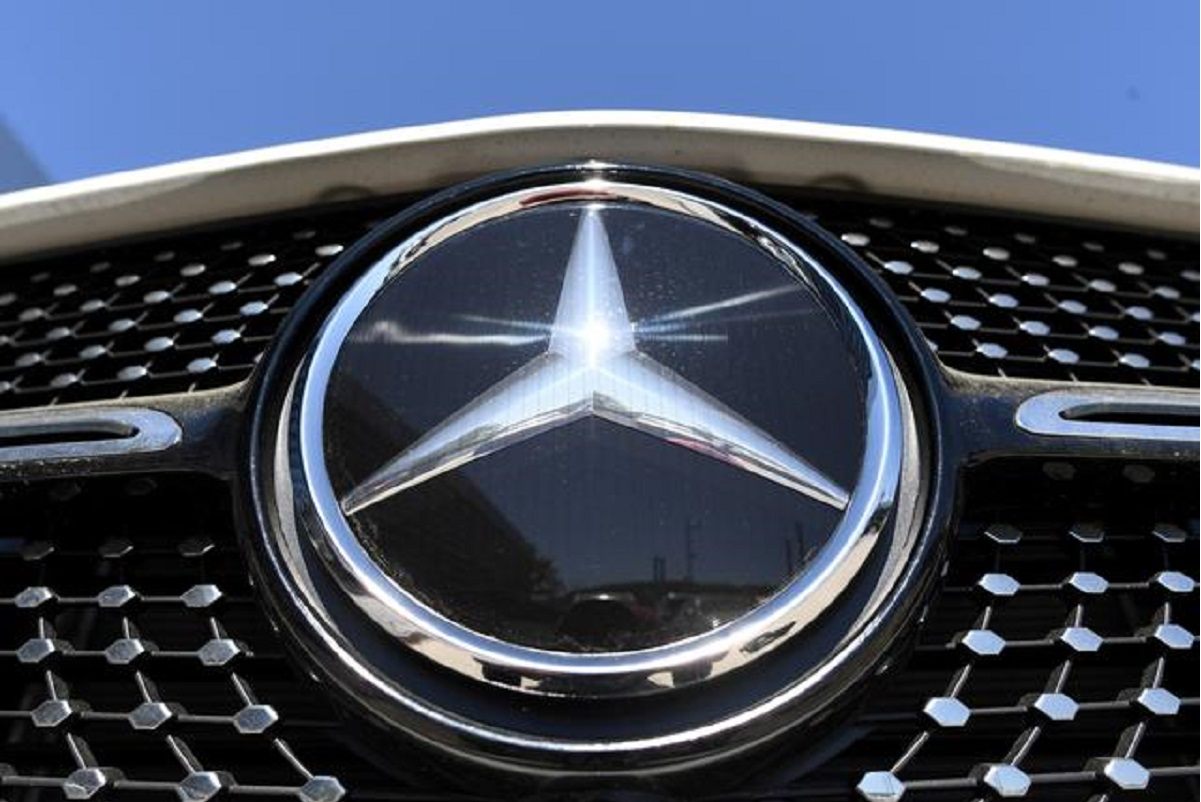 Daimler lifts 2020 profit outlook as Mercedes-Benz margins rebound