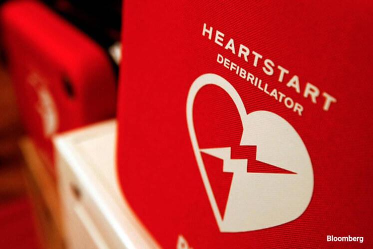 Grab the defibrillator