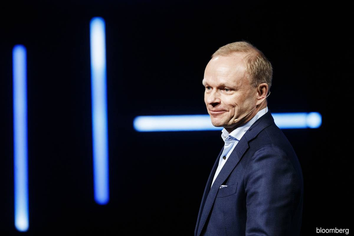 Nokia CEO outlines neutral stance in superpower tech war