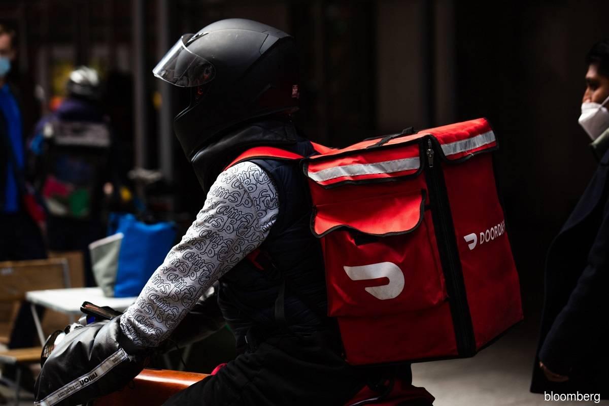 DoorDash, Grubhub, Uber sue New York City over cap on delivery fees
