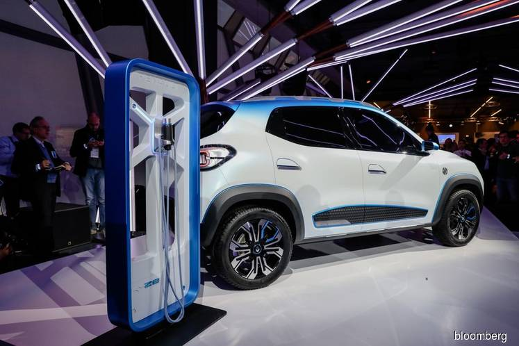 Indonesia Chases Volvo, Renault Investment in Electric Vehicles