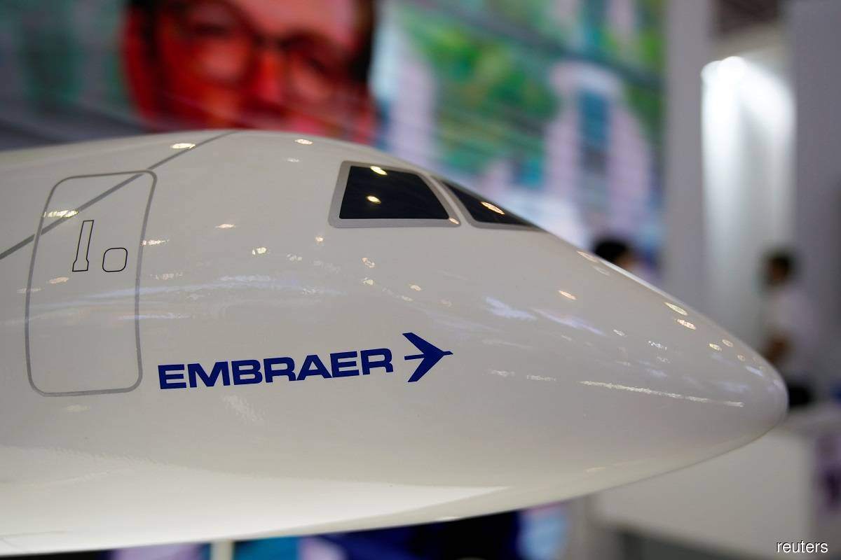 Brazil's Embraer sells 100 aircraft to NetJets