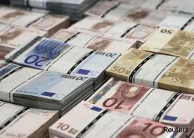 Risk-on mood, signs from French left prod euro higher