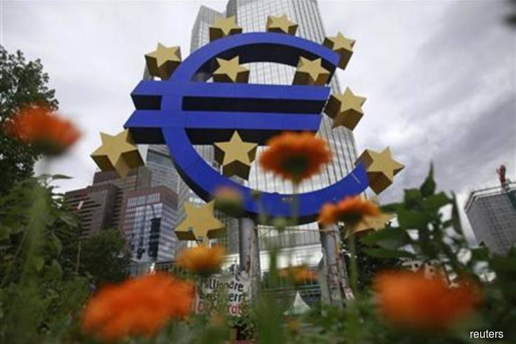 Euro zone sees economic outlook worsening amid uncertain US trade policy