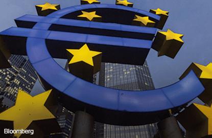 European shares bounce, focus on ECB meeting
