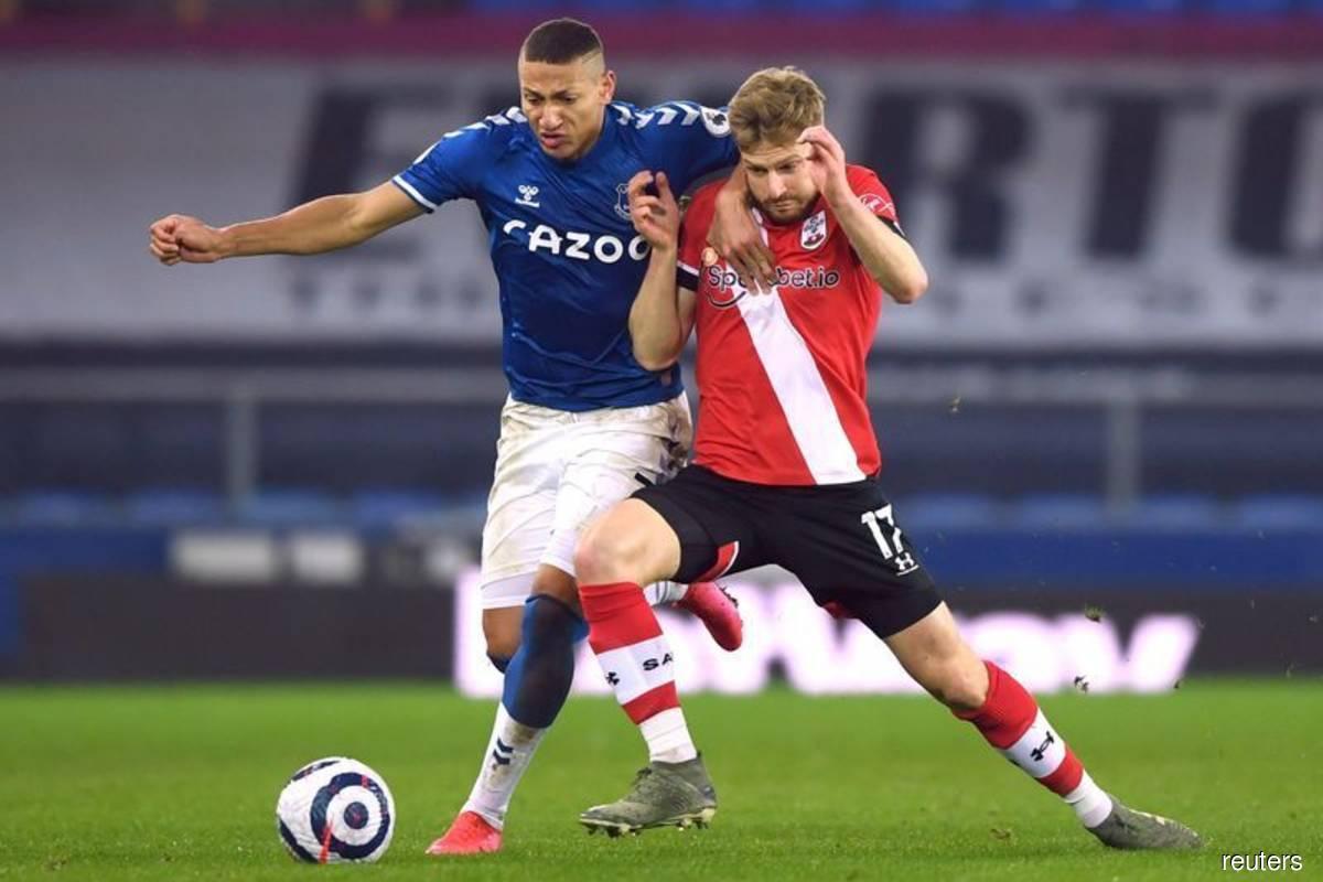 Everton win at Goodison as Richarlison sinks Southampton