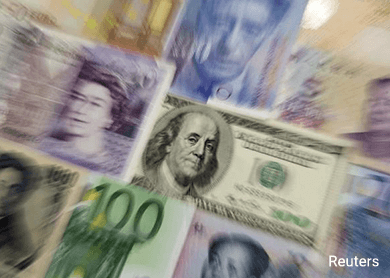 Dollar drops as yen, euro rise on risk aversion