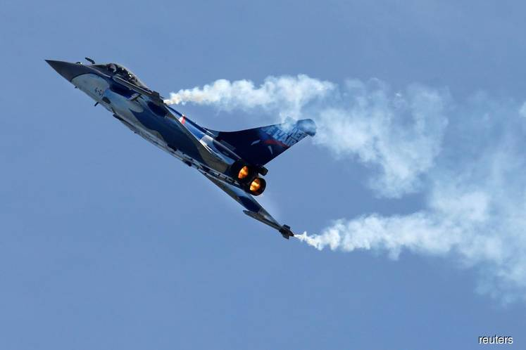 Mindef upholds 'palm oil first call' in proposed jet deals with France