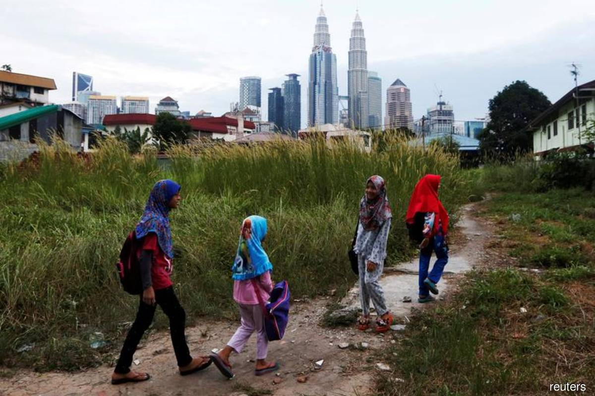 It just takes RM900 a month to lift urban poor out of absolute poverty