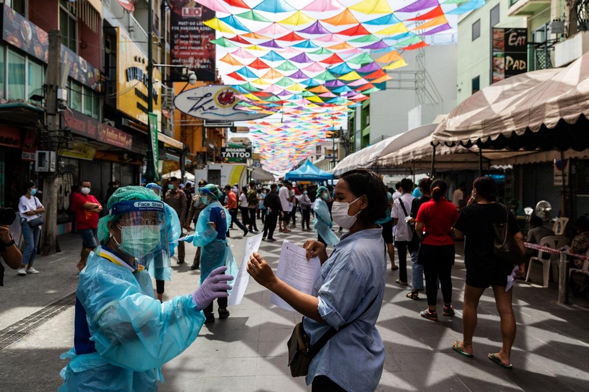 Global virus resurgence threatens vigorous growth momentum