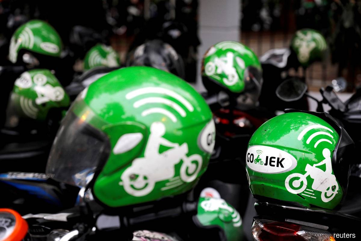 Ride-hailing giant Gojek plans to shift to EVs by 2030, says co-CEO