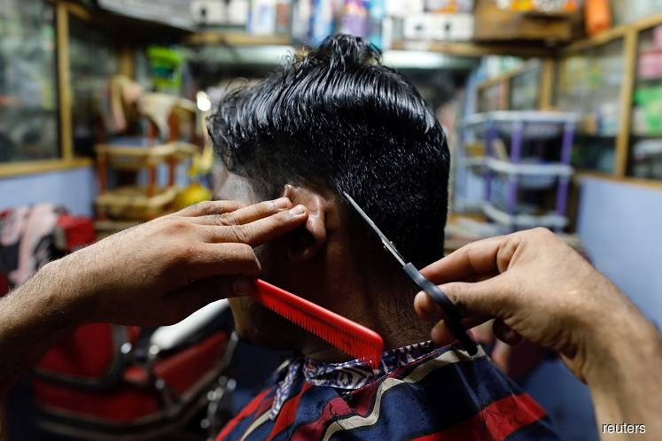 No cluster of infection among barbers so far