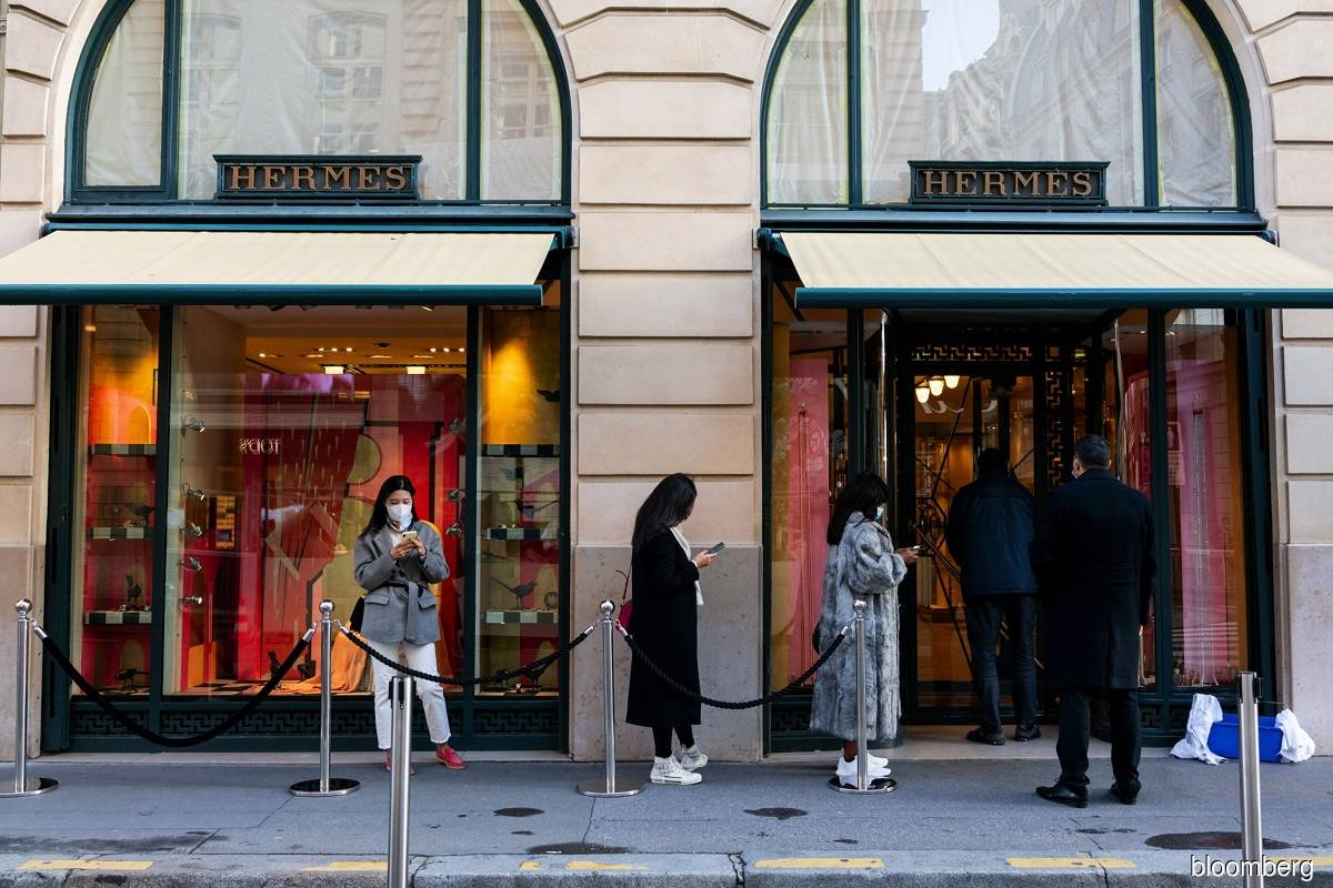 Handbag maker Hermes echoes luxury sales rebound amid online surge