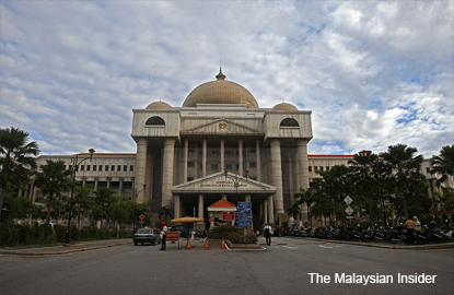 High Court orders Najib, three others to file defence
