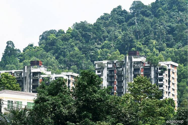 Highland Towers: Demolition plan delayed