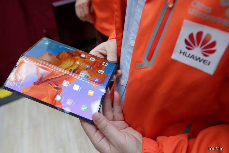 Huawei delays global launch of foldable phone by 3 months
