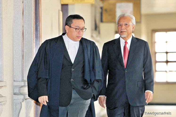 Ex-PM accuses vengeful 'office boy' Husni of wanting to tarnish his reputation