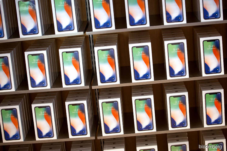 Foxconn is said close to trial output of newest iPhones in India