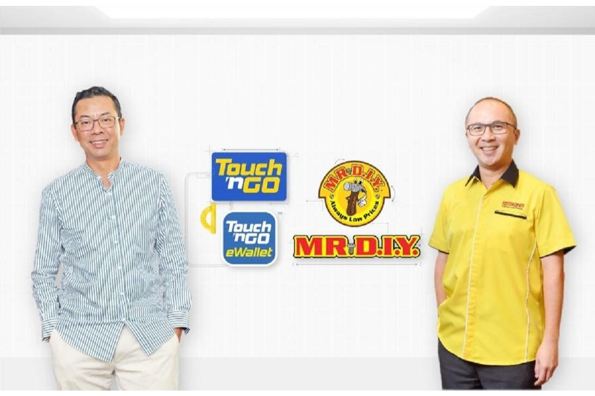 From left: Touch 'n Go group CEO Effendy Shahul Hamid and Mr DIY CEO Adrian Ong