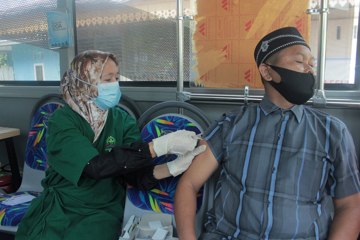 Indonesia warns Covid-19 cases may not peak until July as hospitals fill