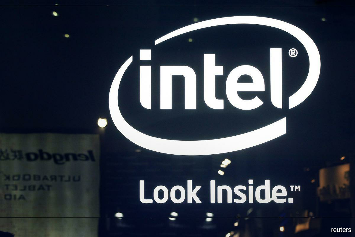 Intel said the chips use a new manufacturing technique and other tweaks that make them more powerful at tasks such as using artificial intelligence to reduce background noise during video calls. (Photo by Reuters)