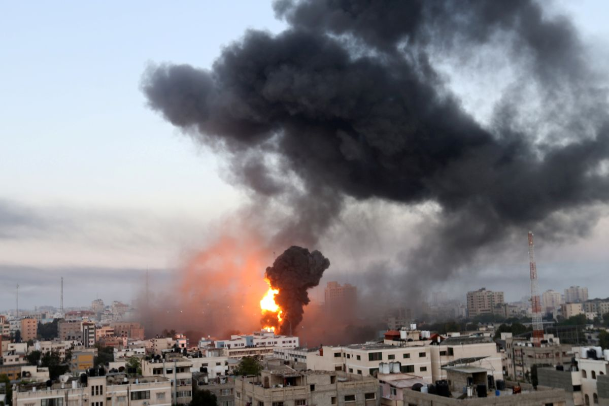 Gaza conflict intensifies with rocket barrages and air strikes