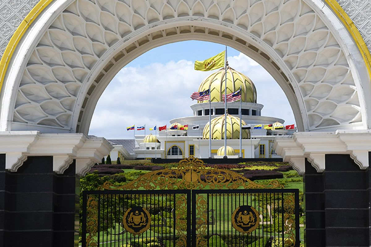 Constitutional monarchy, Parliamentary democracy put people's welfare first — Malay Rulers