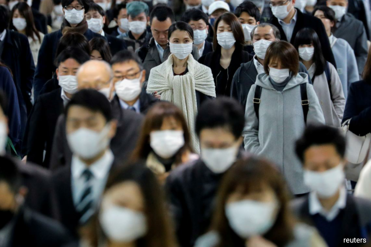 After lockdown measures led to a record contraction of Japan's services sector last month, businesses have been resuming operations even as the coronavirus epidemic has sapped consumer demand. (Photo by Reuters)