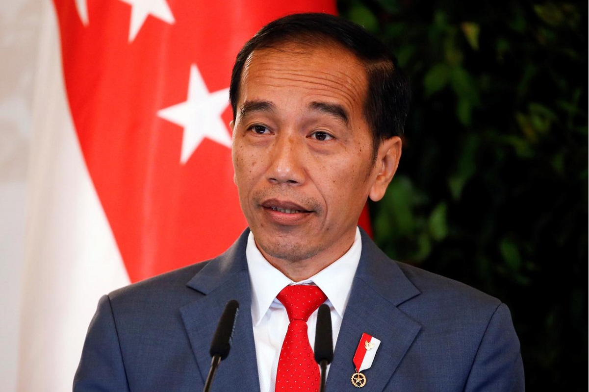 Jokowi tells Indonesians to shop online to help revive growth
