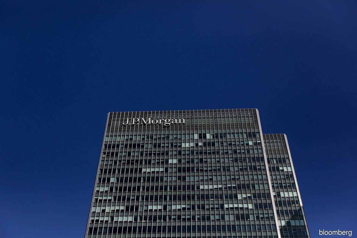 JPMorgan hikes entry-level banker pay to help combat burnout