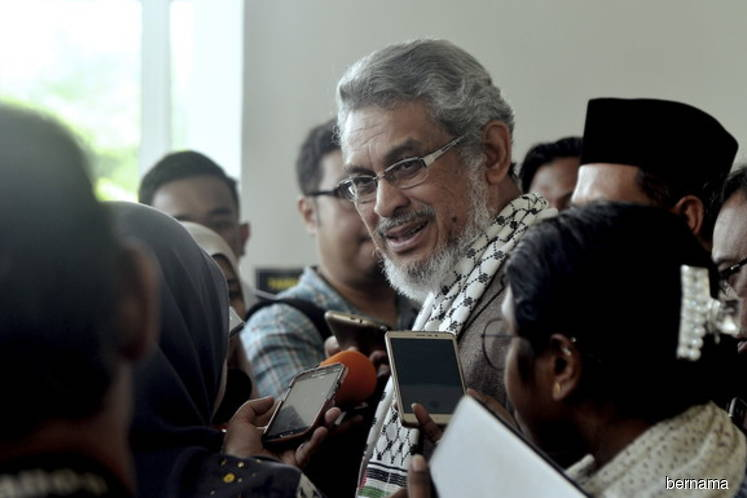 Khalid reveals alleged irregularities in two projects on Govt land in KL