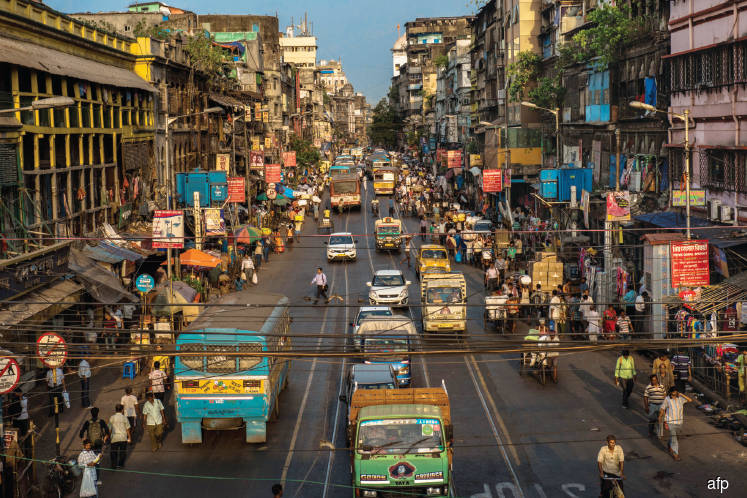 India beckons, but business challenges aplenty