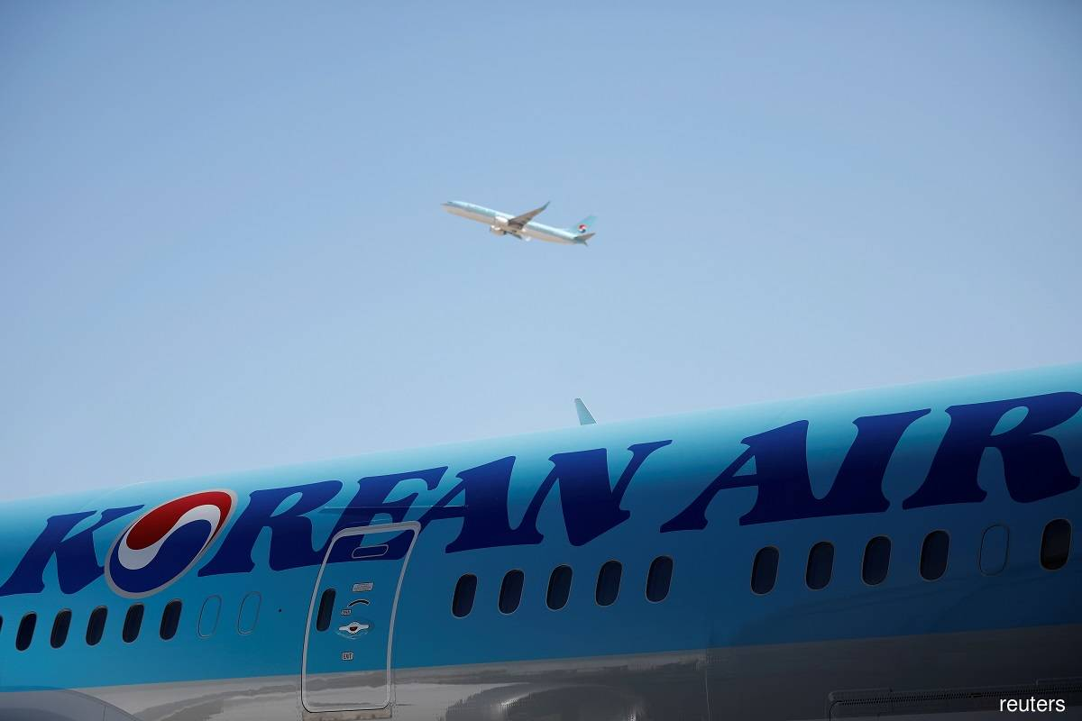 Korean Air to follow relevant authorities' directives on Boeing 777
