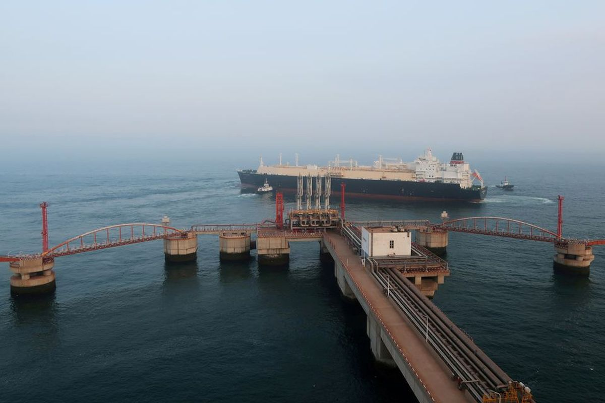 China looks to lock in US LNG as energy crunch raises concerns