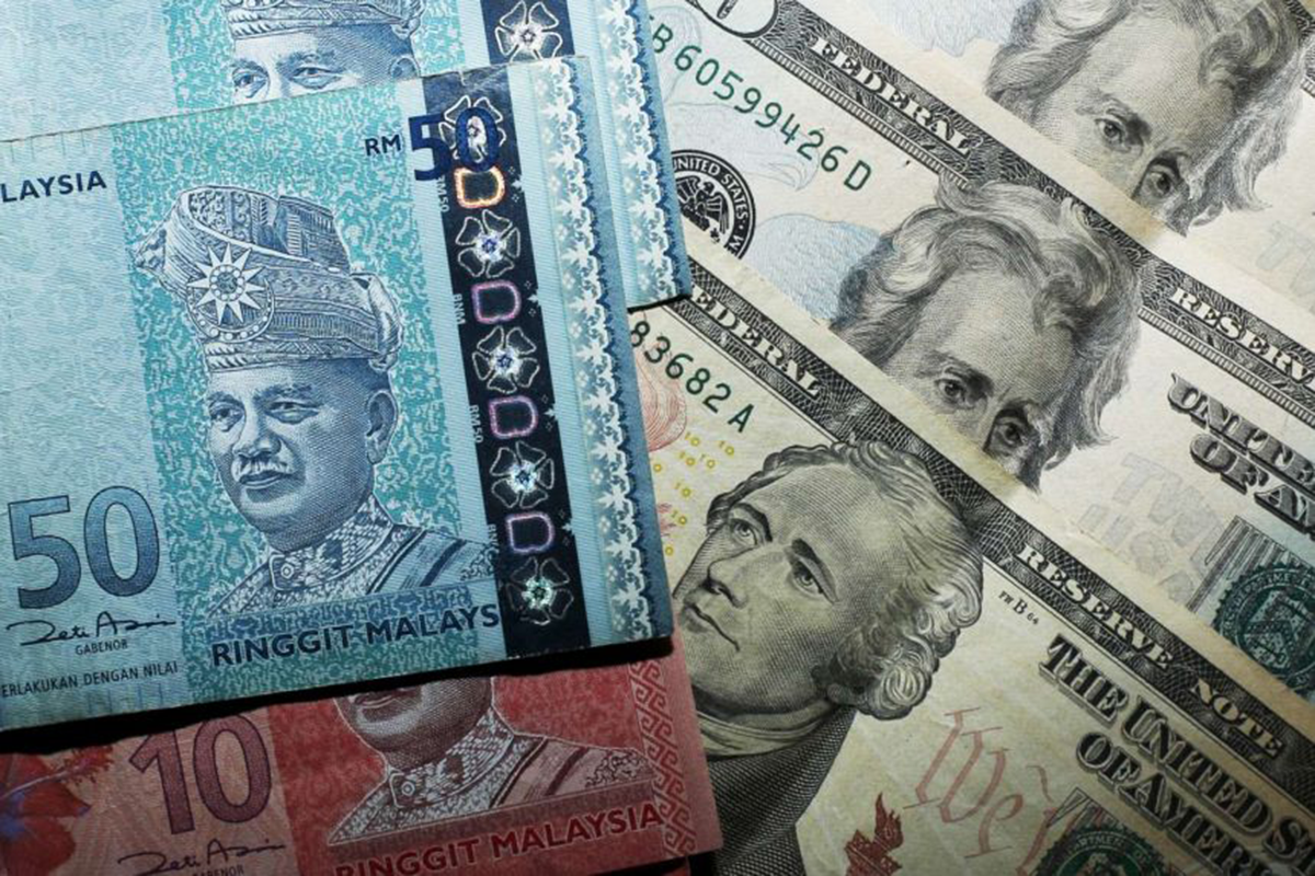 Ringgit faces weakening risks to 4.4000 against US dollar — DBS. (Photo by Reuters)