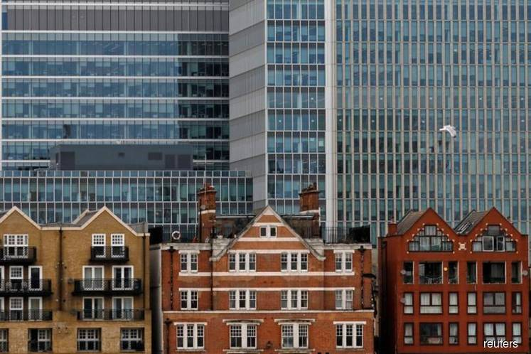 London slump drags UK house price growth to more than six-year low