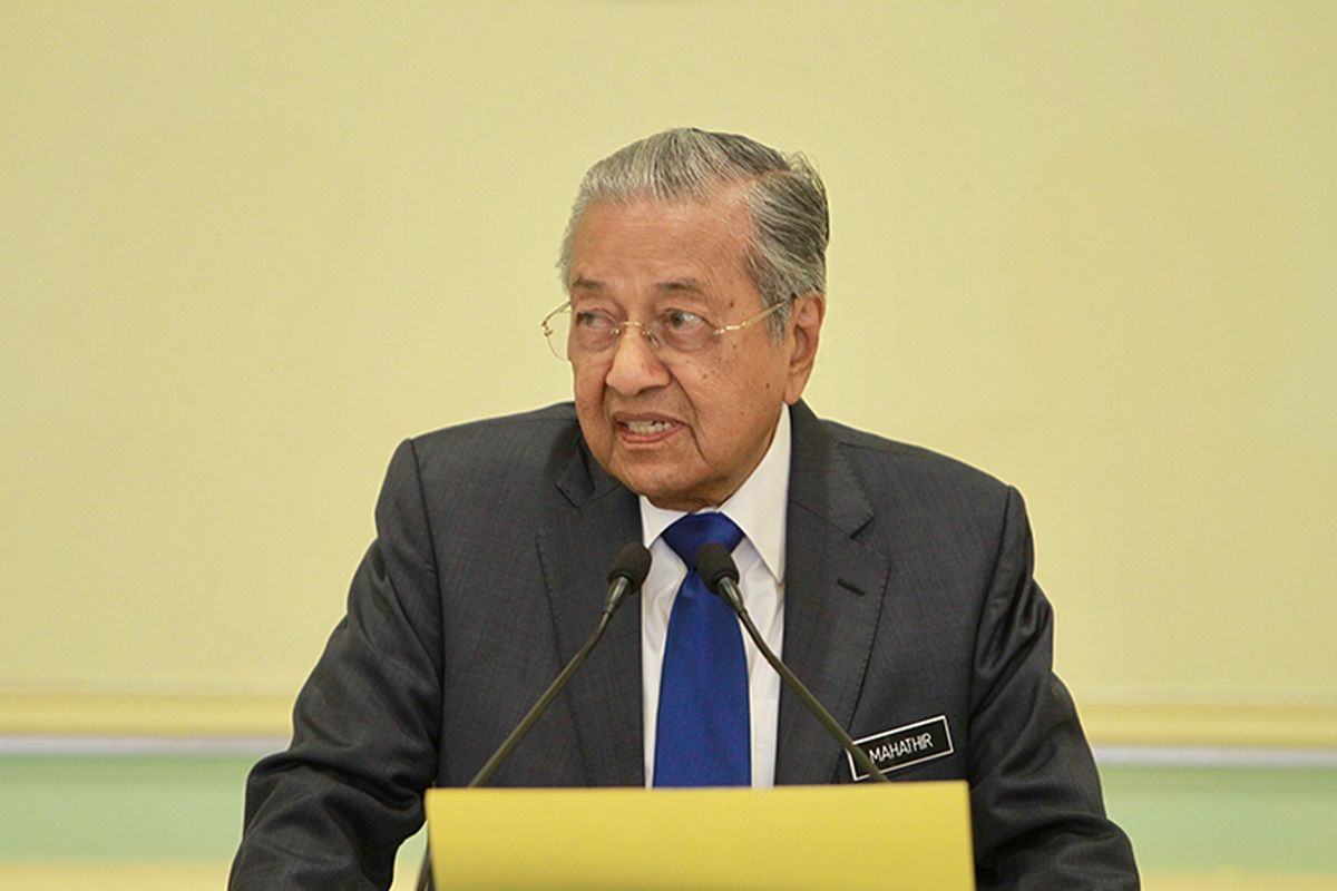 Dr M accuses Govt of not taking COVID-19 seriously with paltry 1% Budget allocation