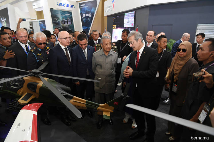 LIMA prods Malaysia to keep up with growing defence industry — PM Mahathir