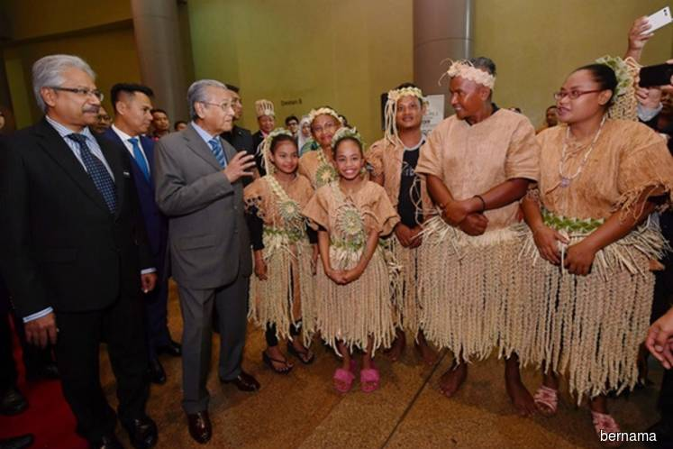 Efforts to enhance Orang Asli education main govt agenda - Mahathir
