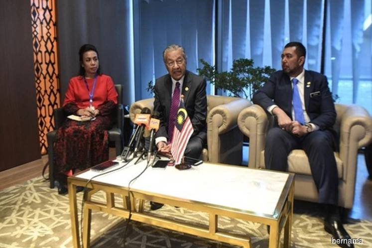 Dr Mahathir leaves his mark at Africa conference
