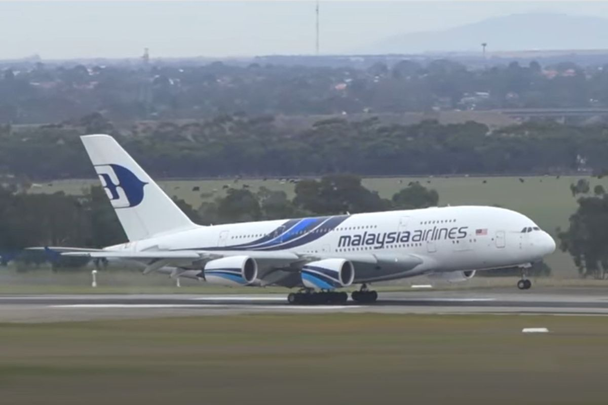 Malaysia Airlines launches tender for sale for A380-800 jets