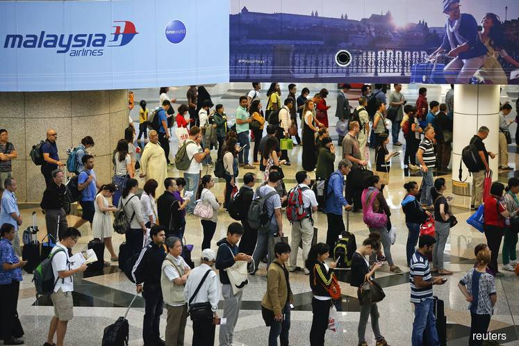 Lifestyle and shopping activities of foreign tourists rake in RM28.1 billion