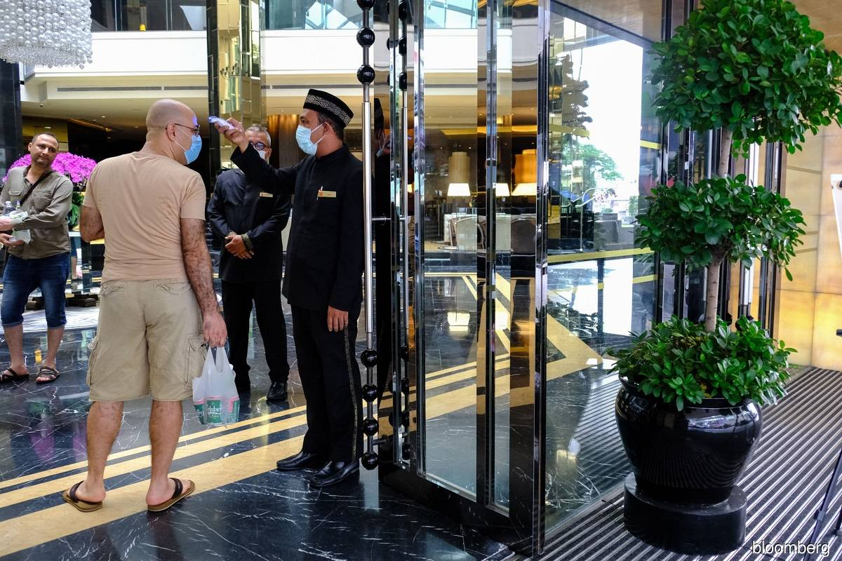 Hoteliers urge govt to expand wage subsidy programme to avoid more job cuts