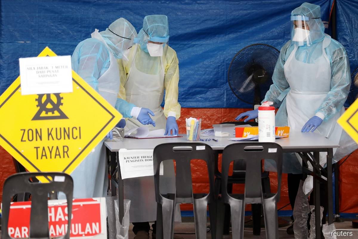 Covid-19: Malaysia reports 12 new cases, one death