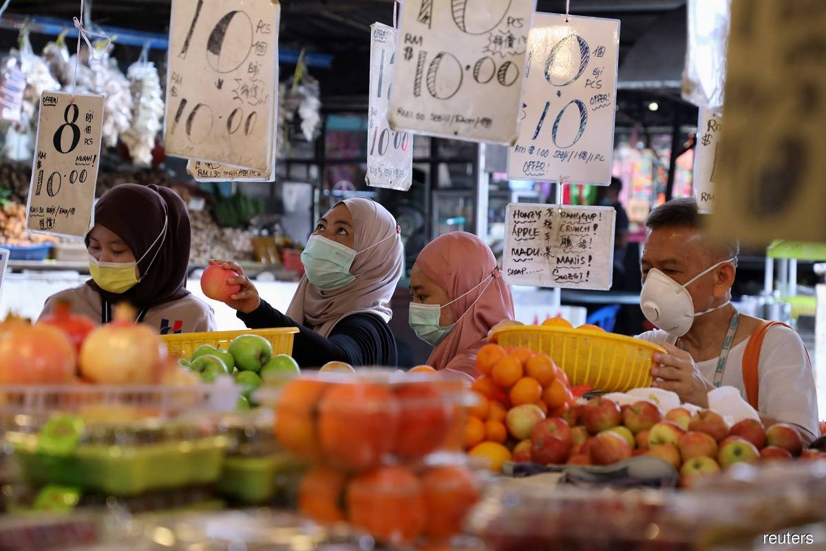 DOSM: Wholesale, retail trade slipped 0.9% y-o-y to RM108 billion in February