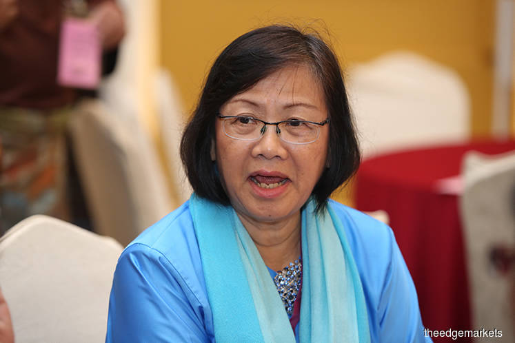 Maria Chin told to answer contempt charge before Syariah High Court