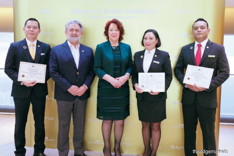 MBA diamond awards for Resorts World Genting personnel