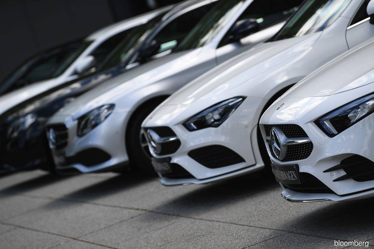 Daimler's late-quarter recovery limits loss to US$1.9 billion